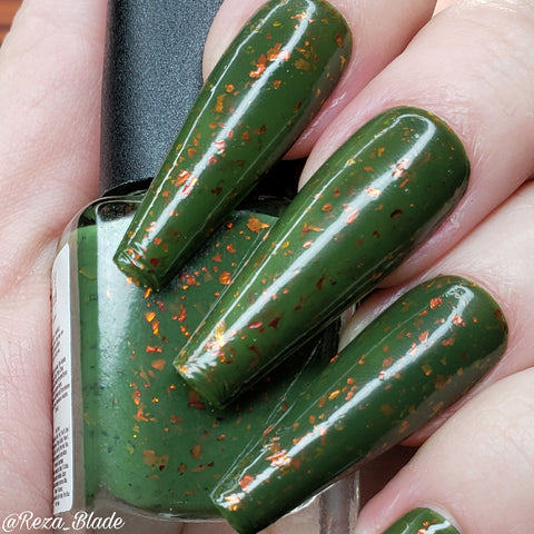 Be-leaf in Magic – a forest green crelly base with ultra chrome chameleon flakes in red/gold