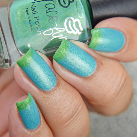 Rivendell Waterfall thermal polish moves between a grass green to a greeny turquoise blue