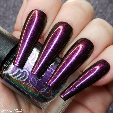 Triple imposter – a gorgeous aurora shimmer that shifts burgundy, pink and purple