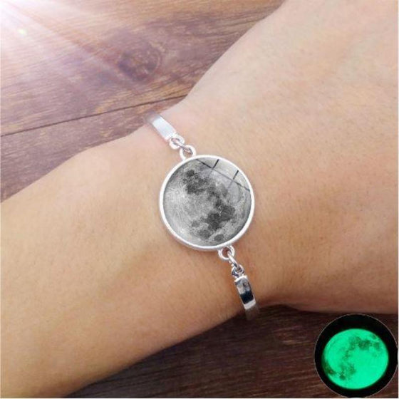 Glow In The Dark Moon Bracelet - SexyBling