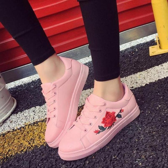 Rose Embroidered Sneakers - SexyBling