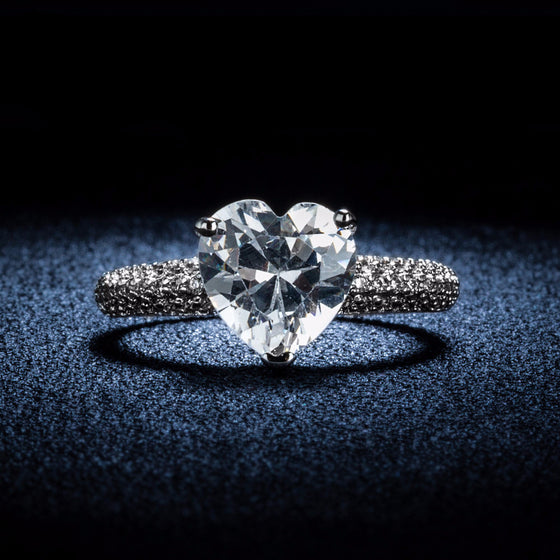 Heart stone Luxury Engagement Ring - SexyBling