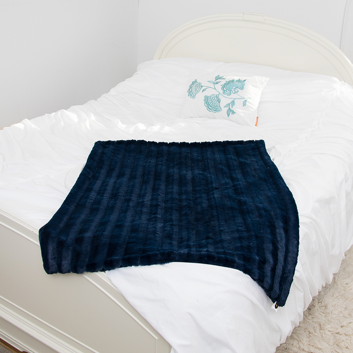 Baby Bee Luxe Blanket Striped Plush - Navy