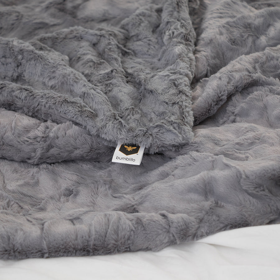 Bee Luxe Plush Blanket - Graphite