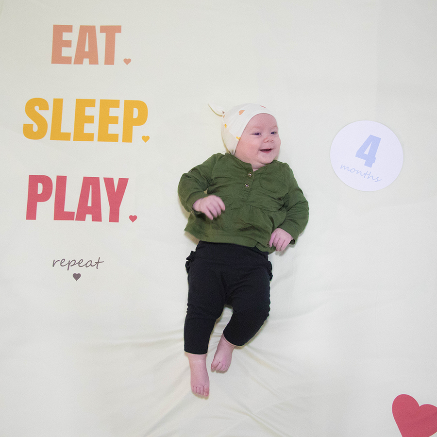 bumblito - memory swaddle - Eat, Sleep, Play print - heart print memory swaddle for baby picutres