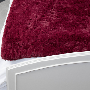 bumblito - plush blanket - Merlot colored blanket - luxuriously soft blanket - heavy thick blanket