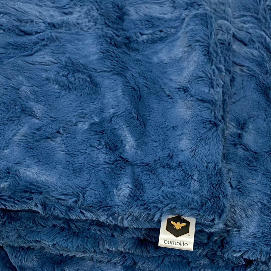 Everyday Bee Luxe Blanket - Plush - Chambray