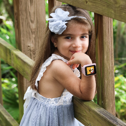 iTouch PlayZoom Smartwatch For Kids: Black with Sports Print