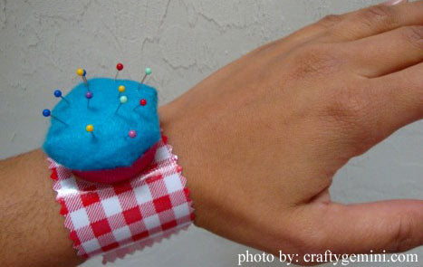 Pin Cushion Bracelet Tutorial Using KAM snap no-sew fasteners