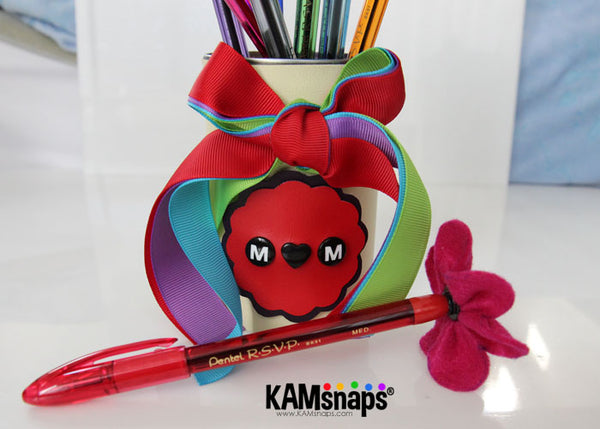 Felt flowers pen diy with kam snap fasteners hot glue