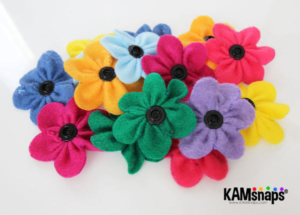 felt flowers diy tutorial free pattern snap fasteners snap buttons no-sew back view