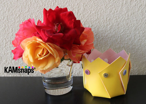 How to make a marine vinyl vase with KAM snaps plastic snap fasteners flowers gift