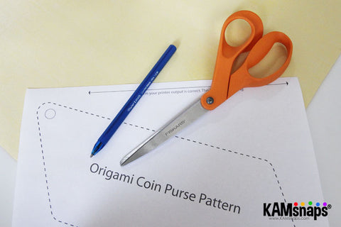 Origami Triangle Coin Purse Easy No Sew Tutorial With KAM Snaps Metal Button Fasteners Free Pattern