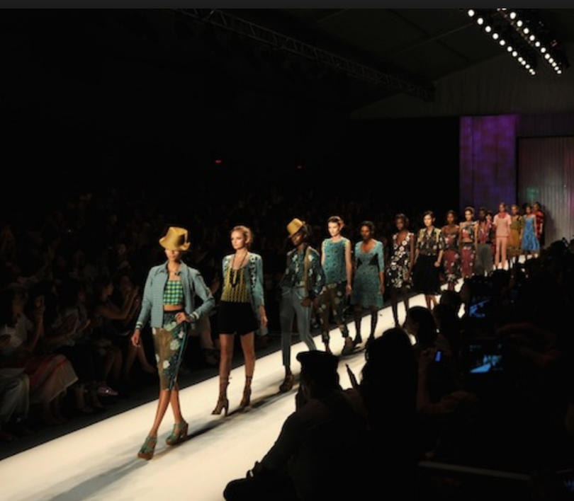 Hot Miami Shades teams up with New York Fashion Week Label to send influencers to RUNWAY SHOW