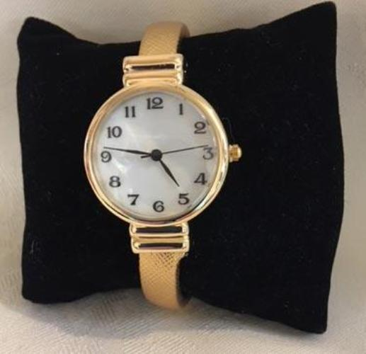 Fashionable Bangle Watch Gold