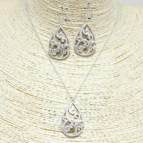 Teardrop Filigree Necklace Set Worn Silver/Gold