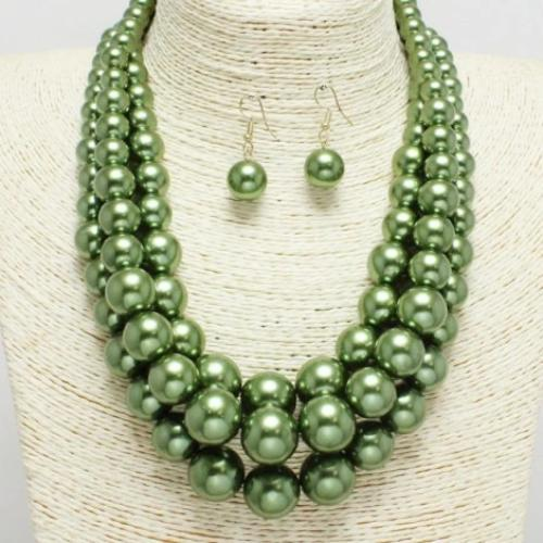 Layered Pearl Necklace Olive