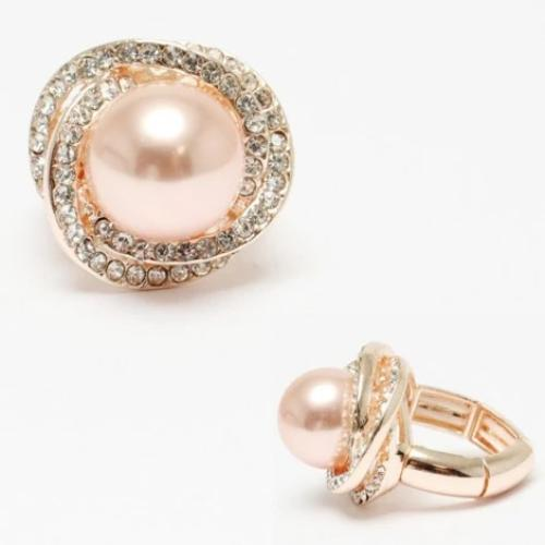 Cream Pearl Stretch Ring Rose Gold