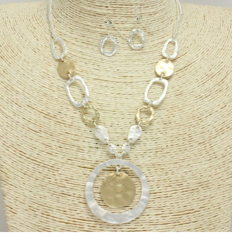 Geometric Shape Linked Necklace Set