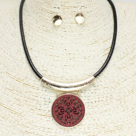 Filigree Wood and Leather Cord Necklace Set Wine