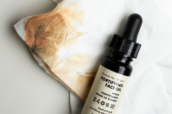 5 Ways to Use Fortifying Face Oil All Year Long