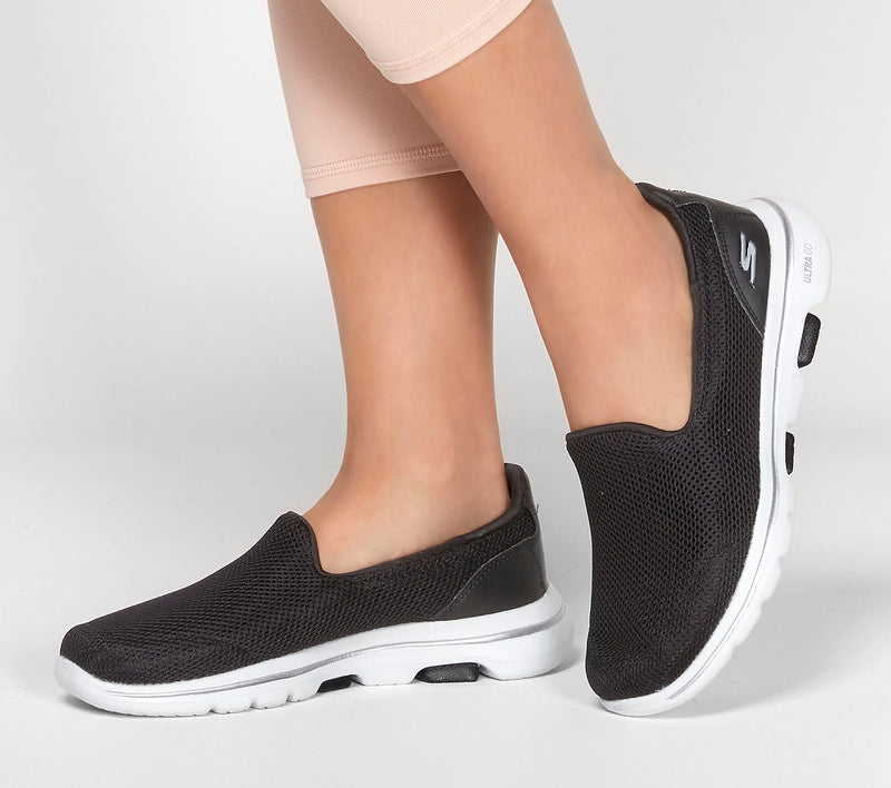 SKECHERS GO WALK 5 - BLACK/WHITE
