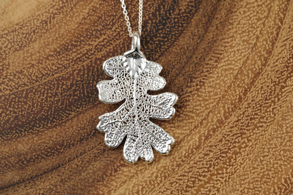 Lacey Oak Leaf Necklace
