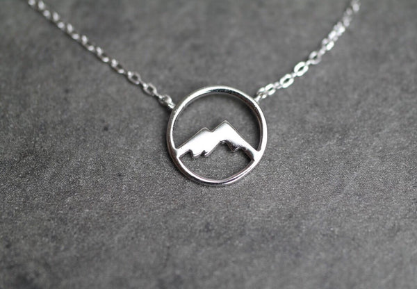 Round Mountain Cutout Necklace