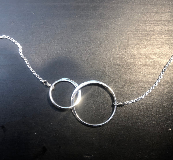 Double Circle Interlocked Necklace
