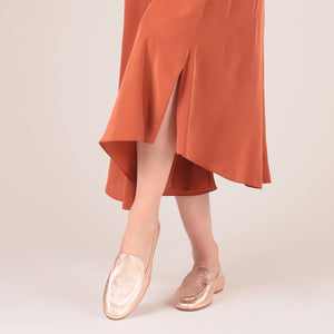 etienne aigner camille flat almond toe loafer in rose gold nappa leather
