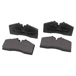 Roush Performance Mustang GT Front Brake Pads (DISCONTINUED) (2005-2014) 401471