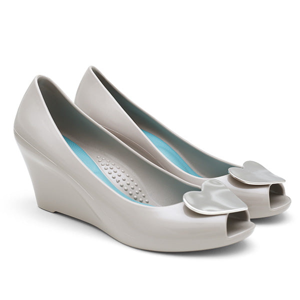 Perla gray wedge heel by Oka-b