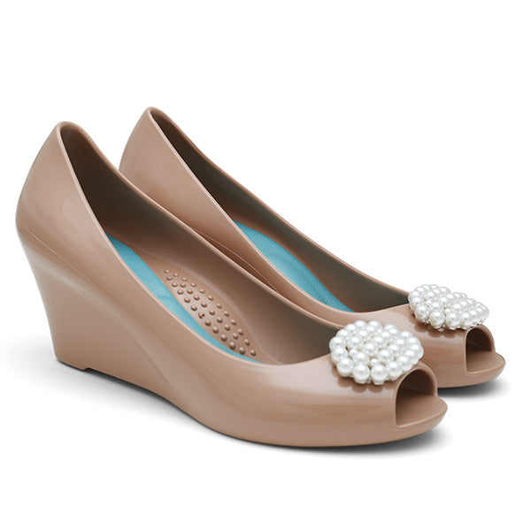 Perla nude wedge heel by Oka-b