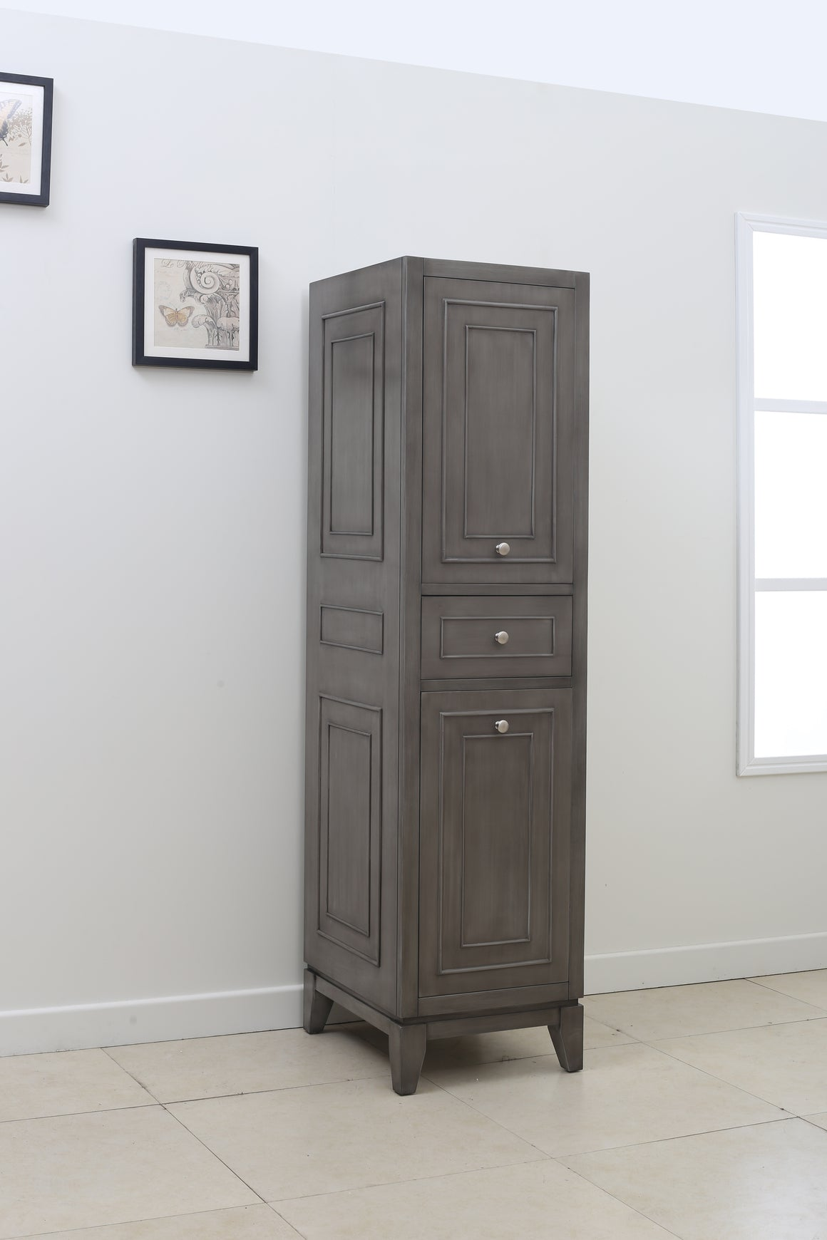 Nottingham Linen Cabinet in Silver Gray