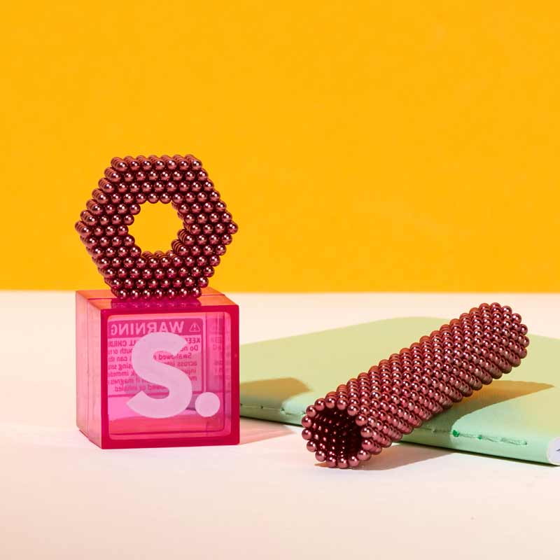 pink speks desktoy magnets