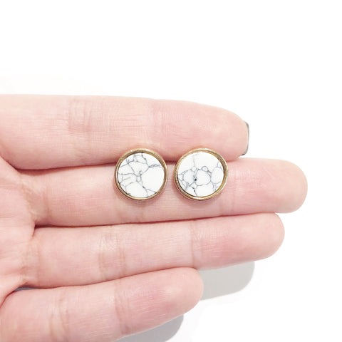 KIKICHIC White Marble Round Earrings Studs, Gold Bezel Natural Marble Stone Stud Earrings Everyday, Gemstone Marble Round Stud Earrings in Gold. These white marble stud earrings is a mixture of several types of different rocks. Marble's energies come from the color.