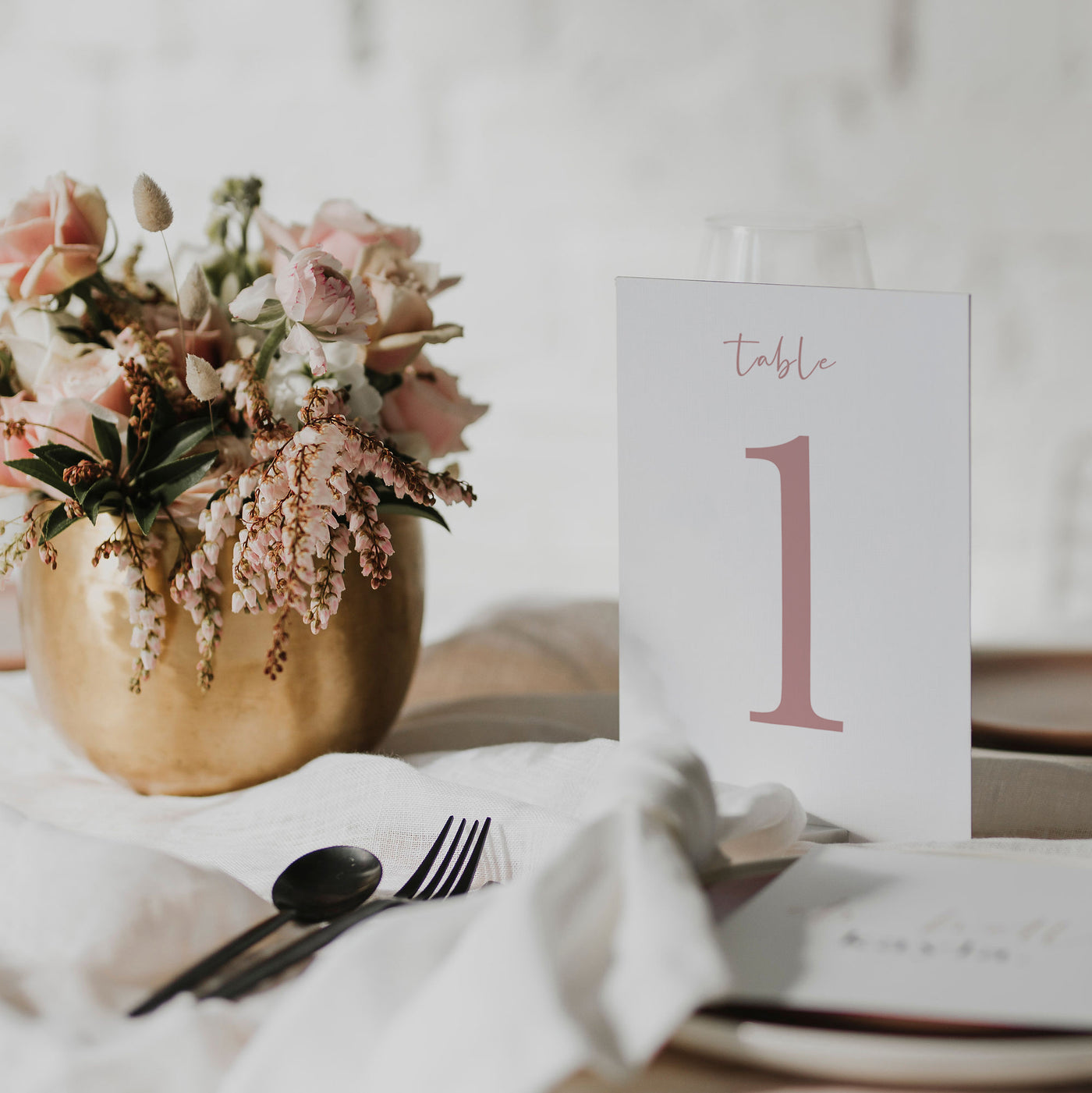 NEW YORK TABLE NUMBER PINK