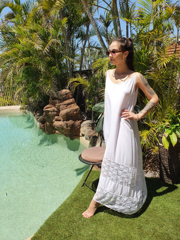 Sunshine Lace Maxi - White