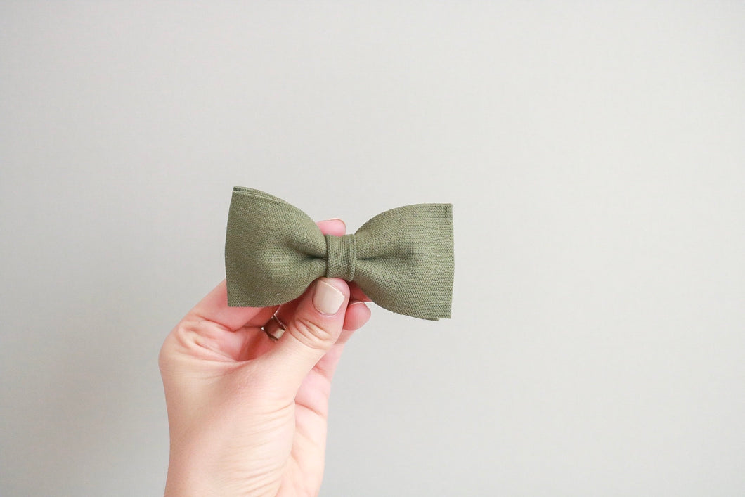Green Linen Bow Tie