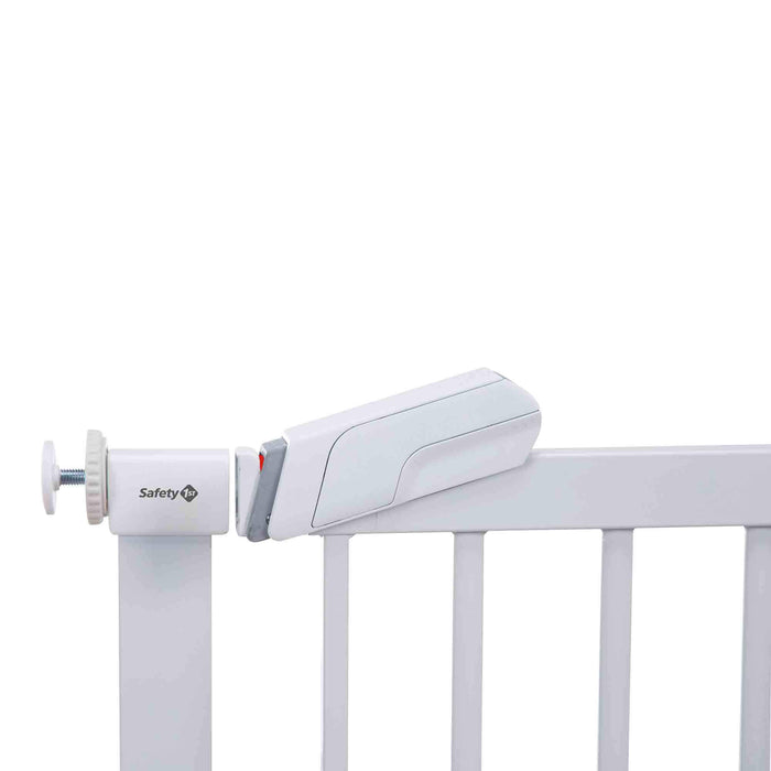 Safety 1st SecurTech Flat Step Metal Gate