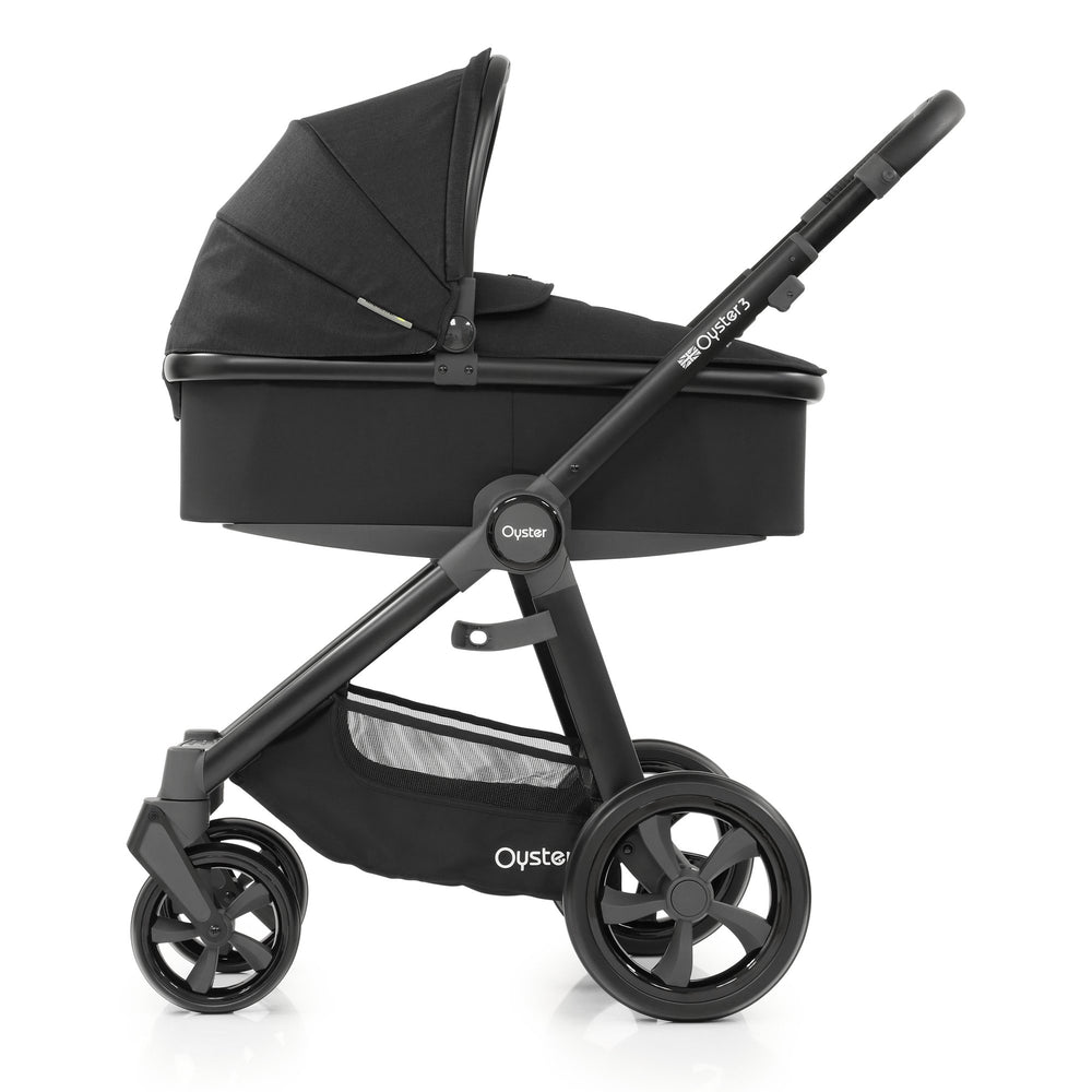 BabyStyle Oyster 3 Noir with Carrycot - Pushchair Expert