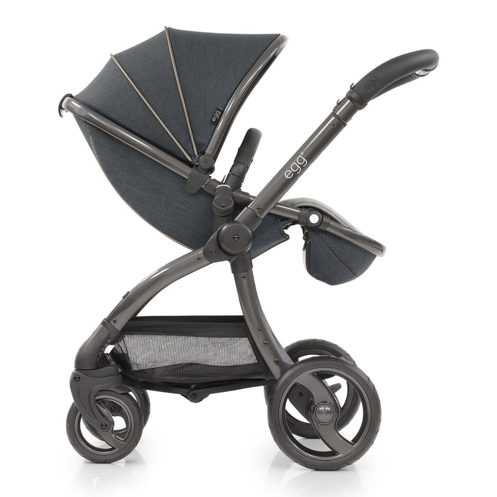 egg Stroller Carbon Grey with Cybex Cloud Z and base