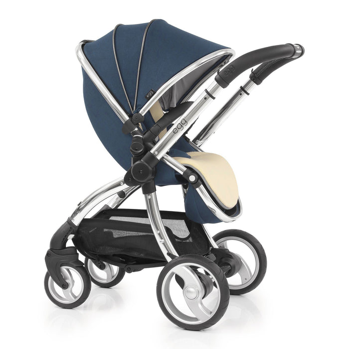 egg Travel System Deep Navy with Maxi-Cosi Cabriofix