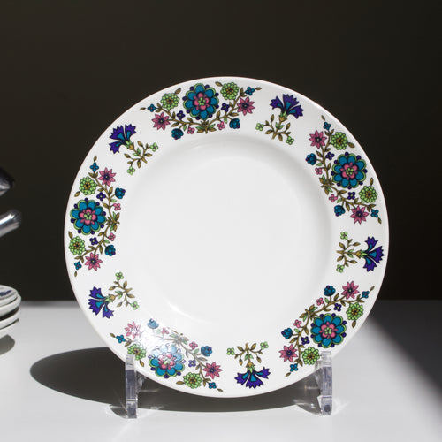 Jessie Tait for Midwinter: Cake Plate in the 'Country Garden' Pattern