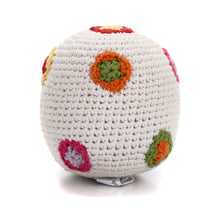 Pebble Rattle – White ball with flowers 2