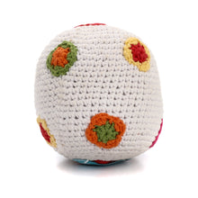 Pebble Rattle – White ball with flowers 3