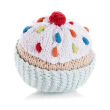 Pebble Food Rattle – Cupcake turquoise with icing & cherry