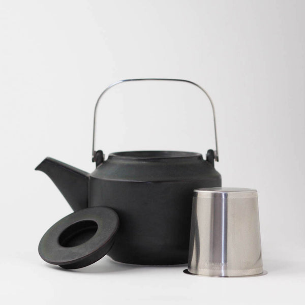 Kinto leaves to tea teapot