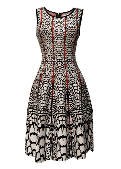 Luxury ISSA Black and White Printed Dress
