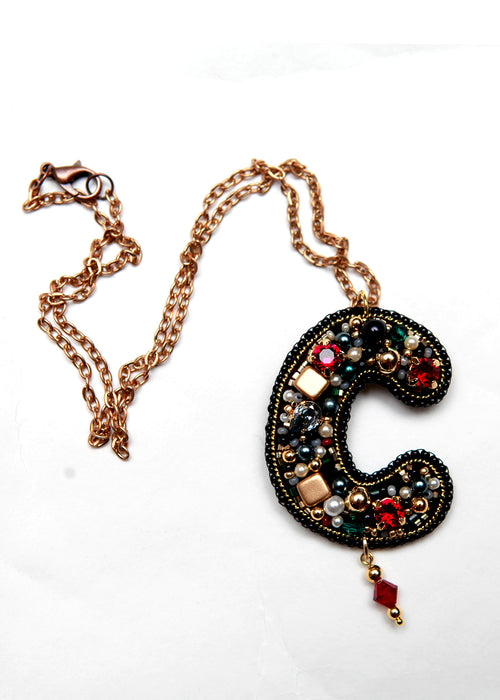 Embroidered pendant necklace